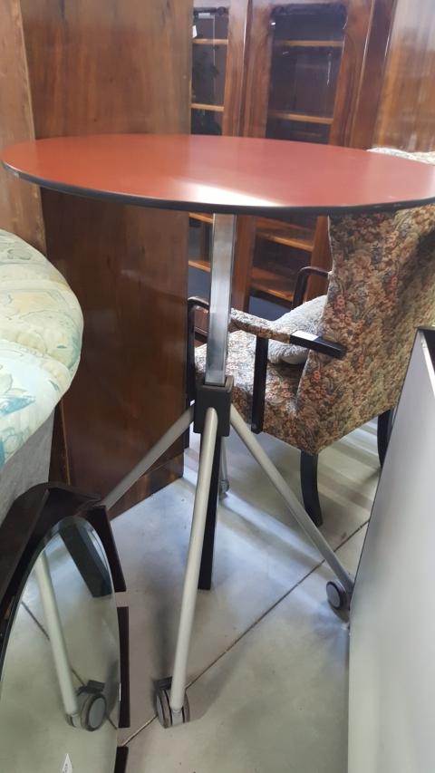 SamLa Tisch