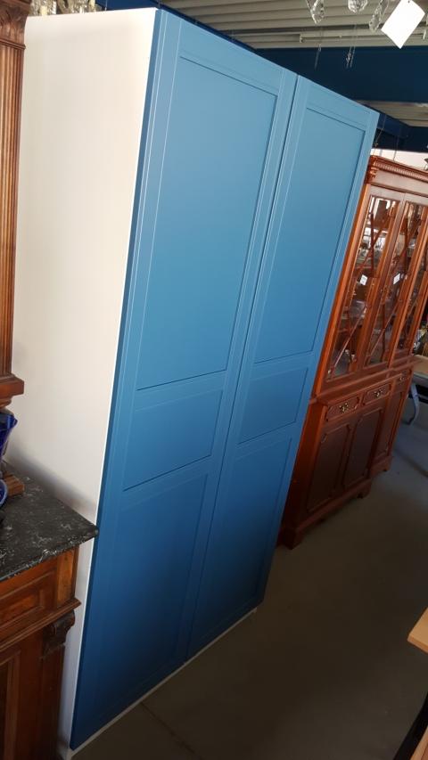 Kasten blau