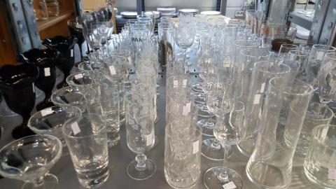 Gläser, Wassergläser, Biergläser, Weingläser,