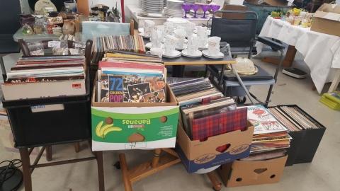 Schallplatten, Kaffeegeschirr, Musik,